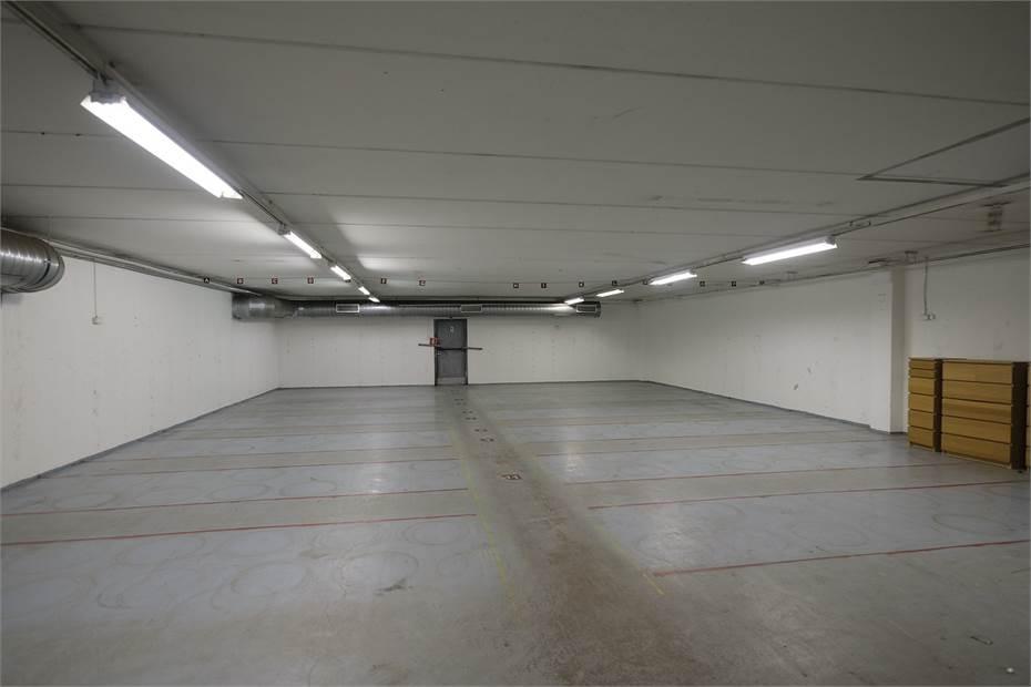 Varasto 274 m2