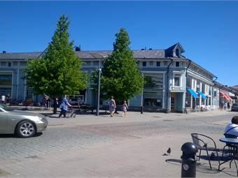 Rauma, Kauppakatu 6 ja Savilakatu 6. Ydinkeskusta
