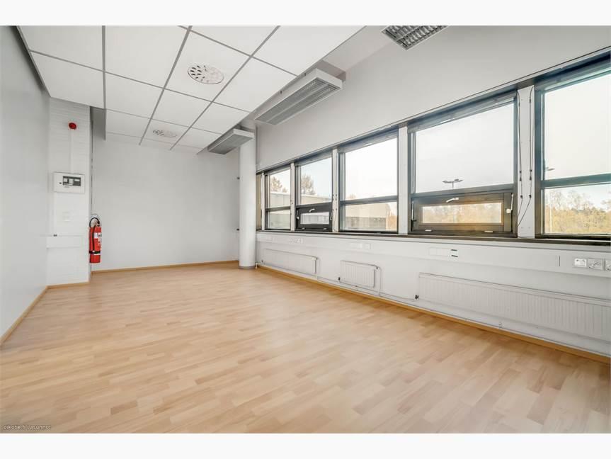 24,5 m2 toimisto