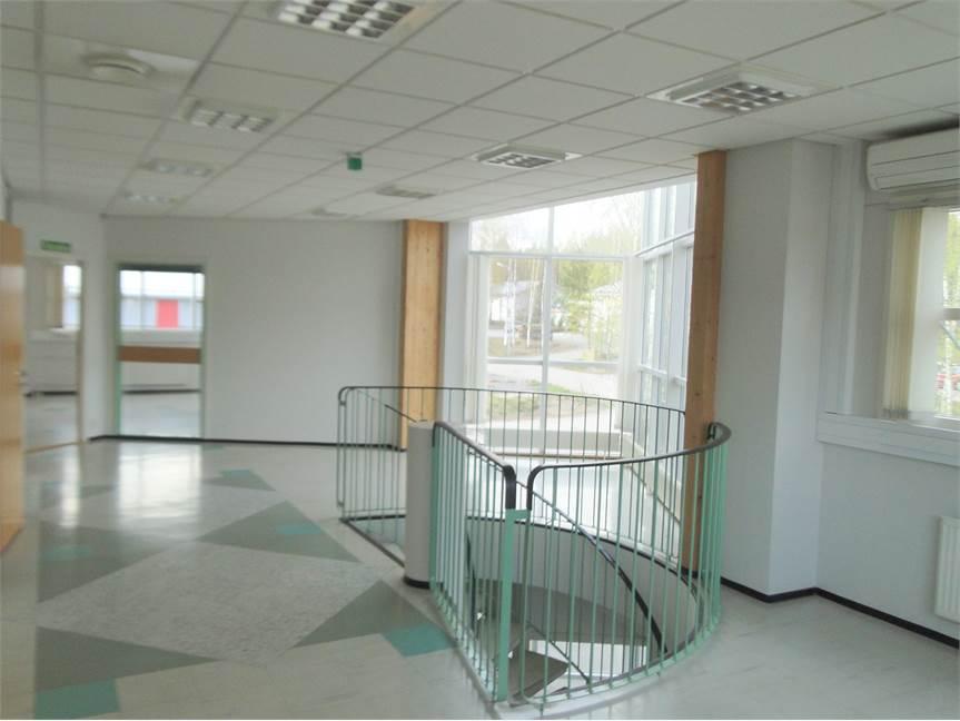 2. toimistotila