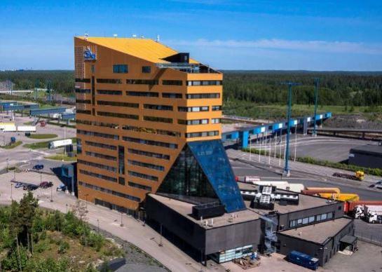 Komentosilta 1, Vuosaari, Helsinki