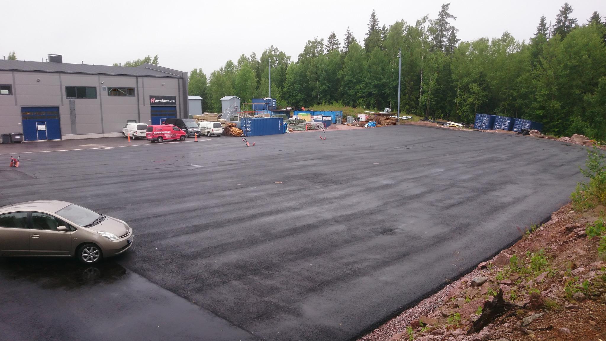 Juvanmalmin asfaltoitu piha-alue vuokrattavana